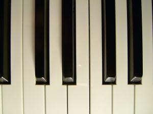 527562_pianokeys_2